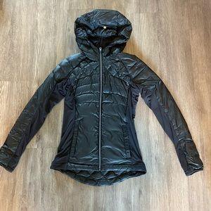 Lululemon light weight puffer zip up jacket size 6
